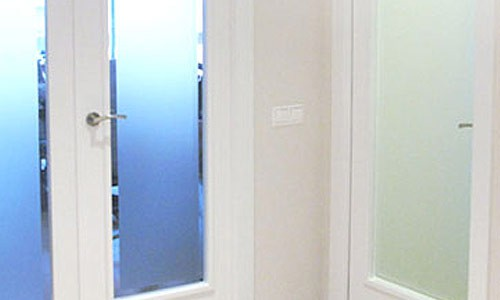 Puertas de interior de cristal cristales para puertas for Cristales translucidos para puertas